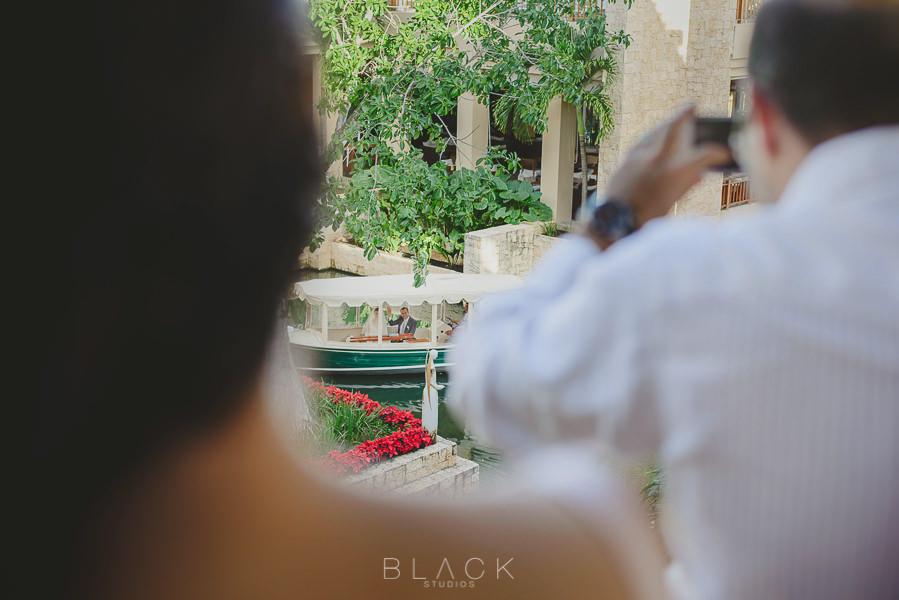 playa-del-carmen-wedding-photos-at-banyan-tree-mayakoba-25