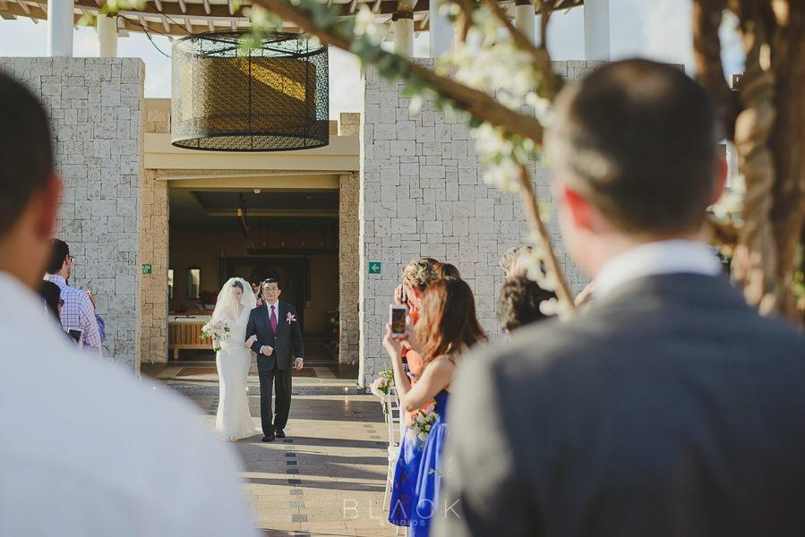 playa-del-carmen-wedding-photos-at-banyan-tree-mayakoba-28