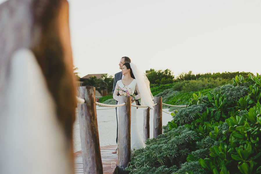playa-del-carmen-wedding-photos-at-banyan-tree-mayakoba-40