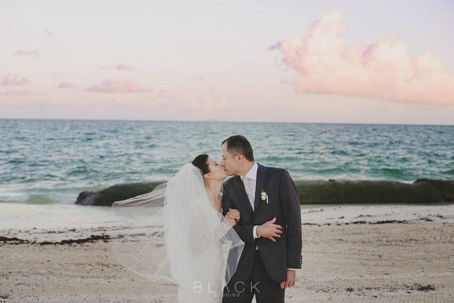playa-del-carmen-wedding-photos-at-banyan-tree-mayakoba-42